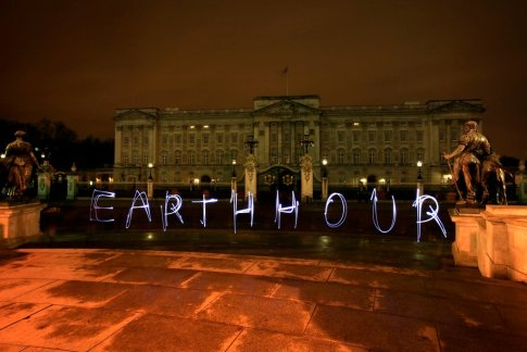 earthhour_buckingham_palace